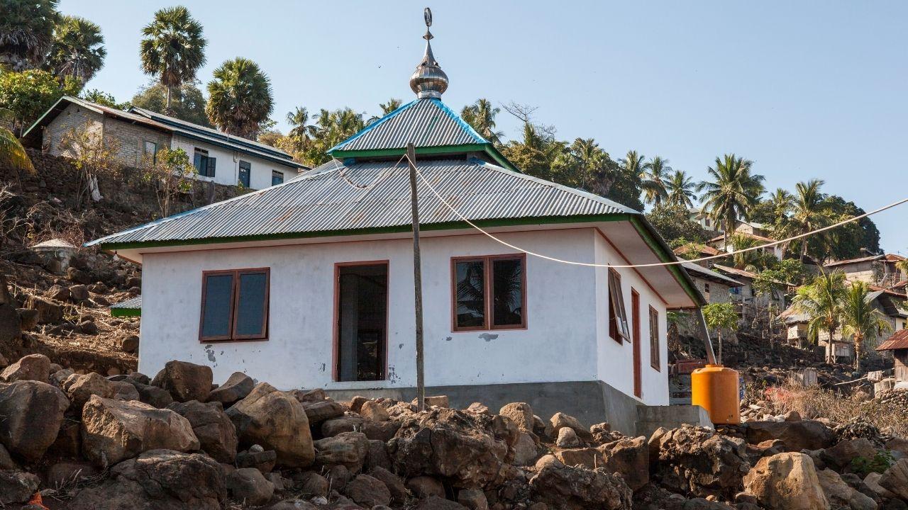 membangun-masjid-sedekah-jaryah