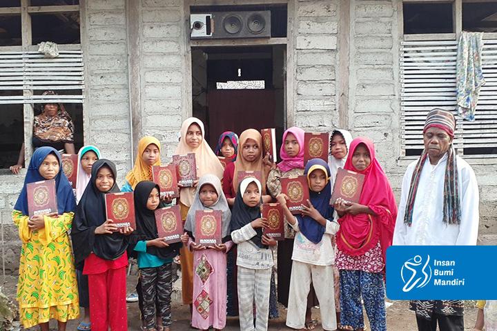 Bantu pedalaman Indonesia dengan berwakaf Alquran